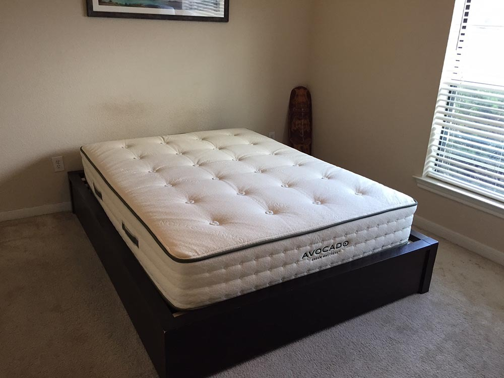 Avocado mattress corner view