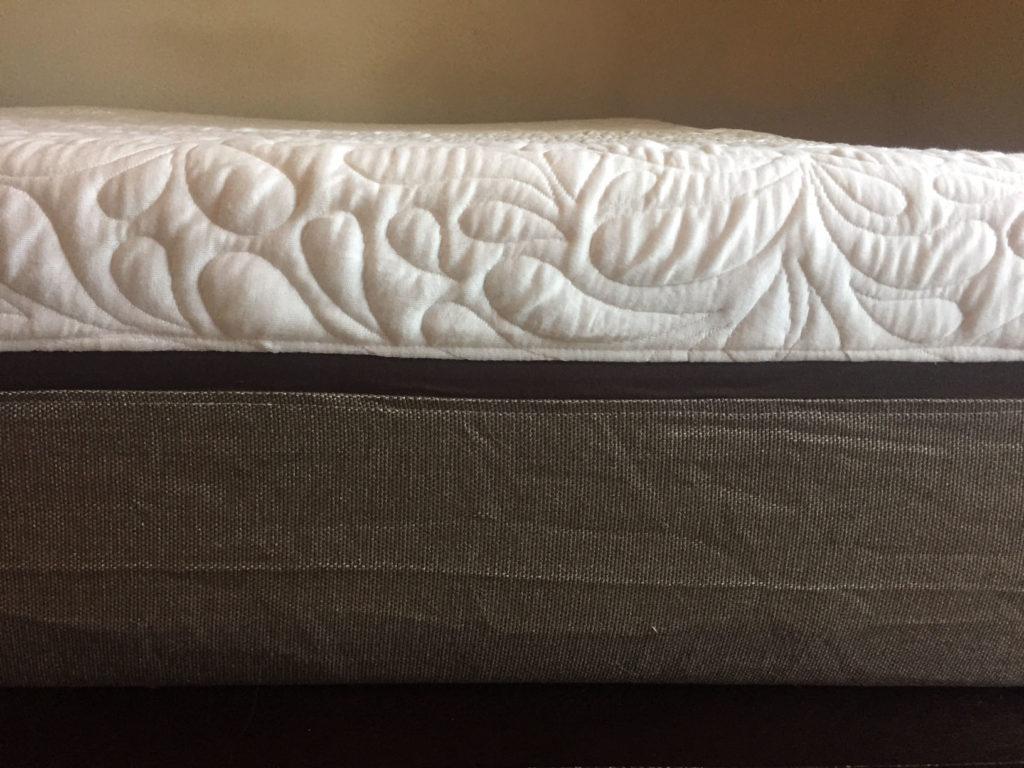 live and sleep mattress side view