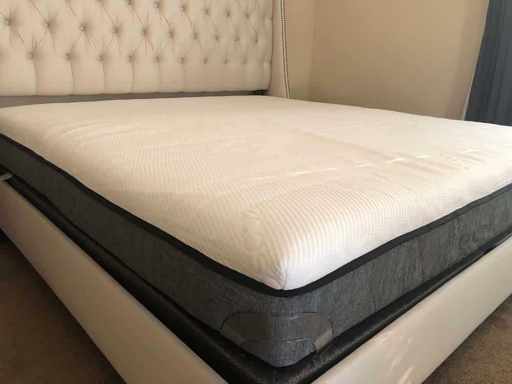 Ecosa mattress, corner view