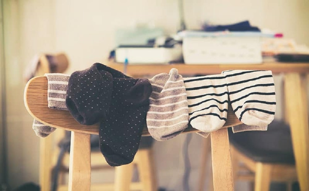 sleeping with socks on memory foam talk. Black Bedroom Furniture Sets. Home Design Ideas