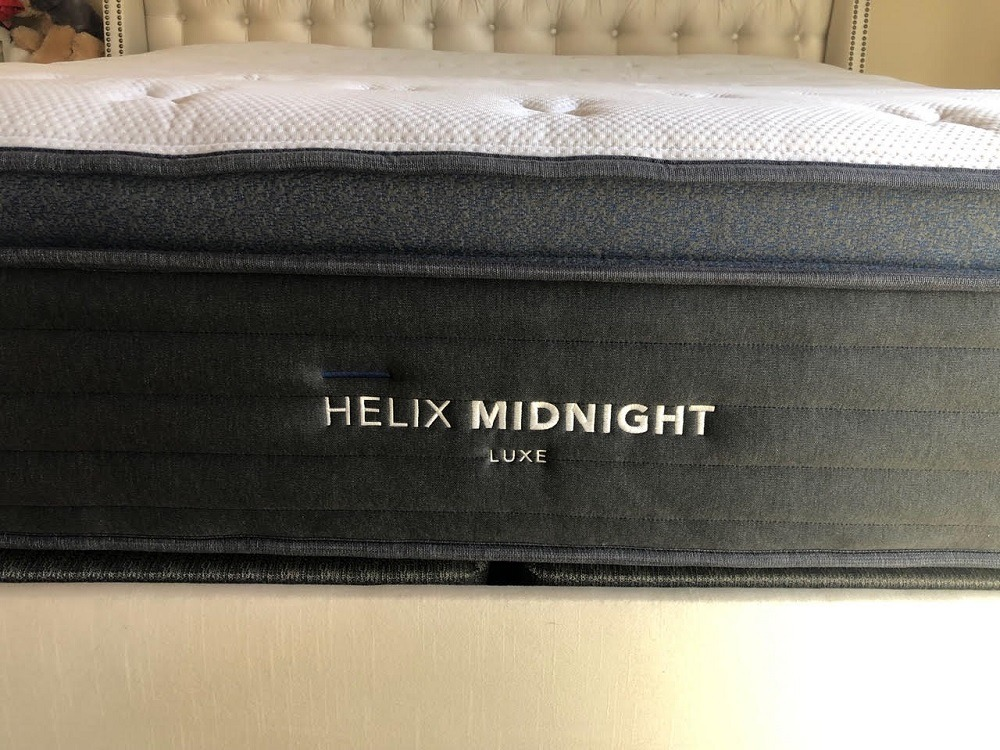 Helix Midnight Luxe mattress profile