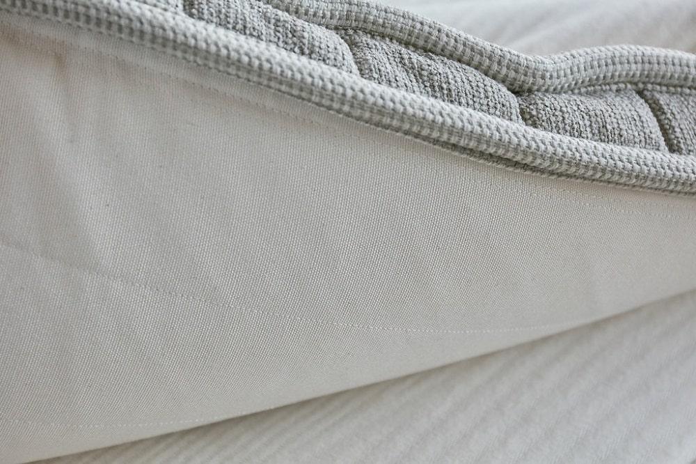 Cedar Natural Latex mattress topper construction and materials