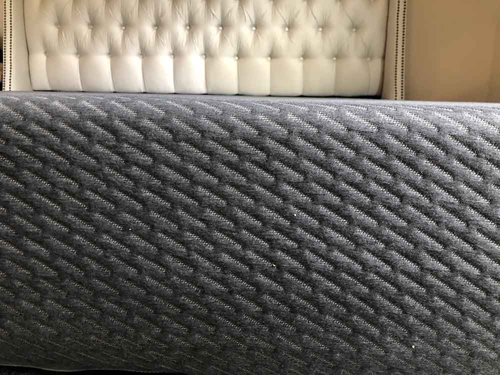 Tuft & Needle Mint mattress side view