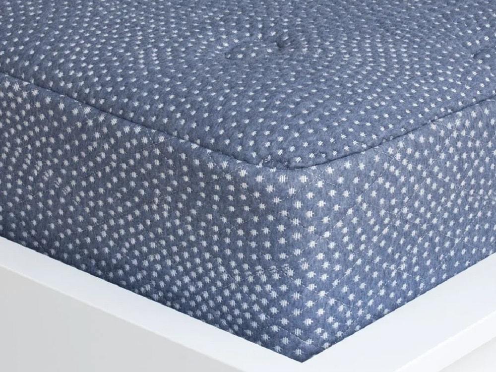 Little Luuf mattress - corner view