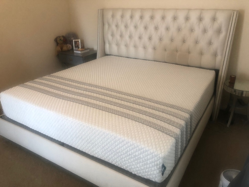 Leesa Hybrid mattress, corner view