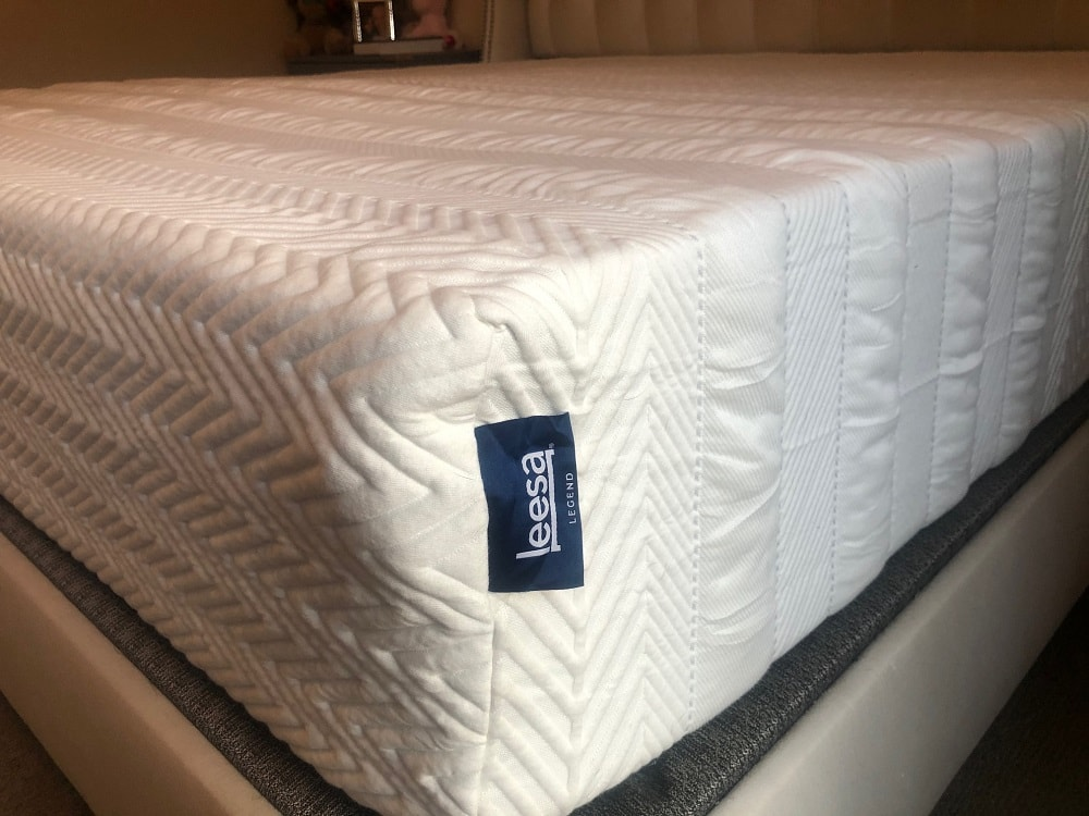 Leesa Legend mattress - profile and logo