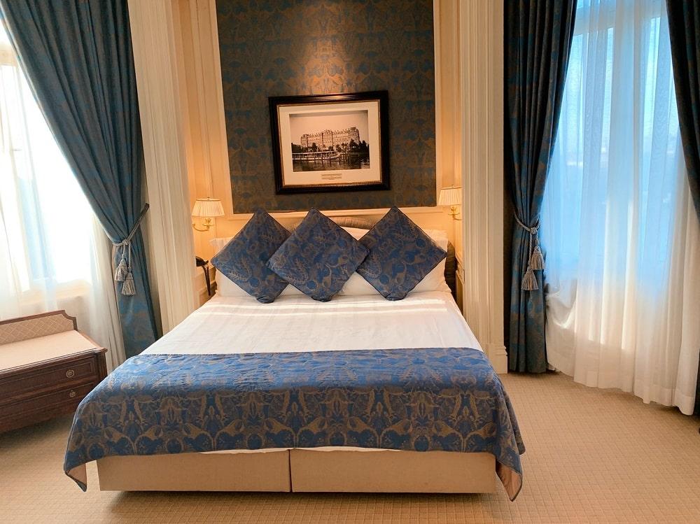split king size bed